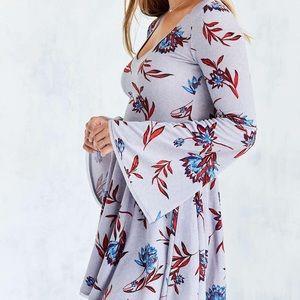NWOT Kimchi Blue Cozy Bell Sleeve Printed Dress